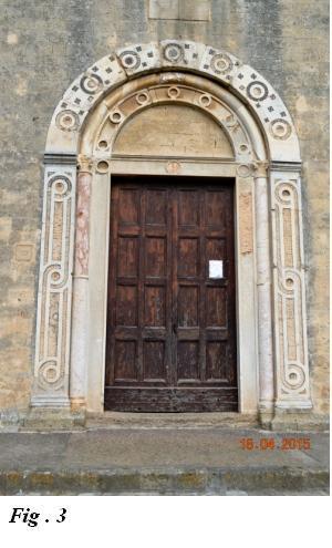 Santa maria in castello a tarquinia visita for Arredo chiesa